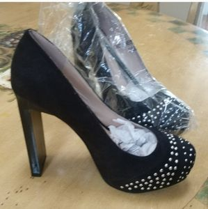 FRH Woman's high heels Suede and Studded sz7